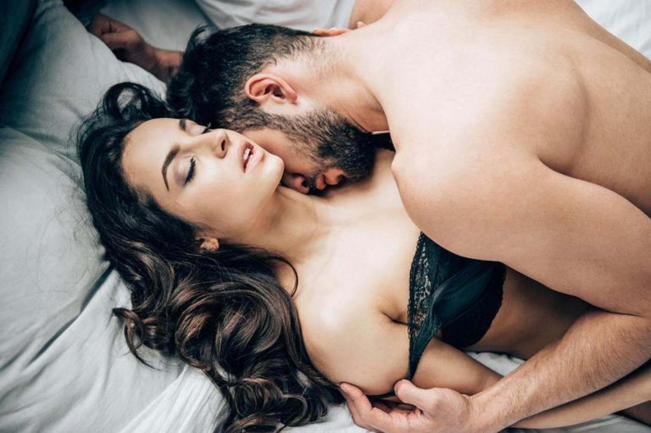 Секс с массажером приятное подбородок массажер механический